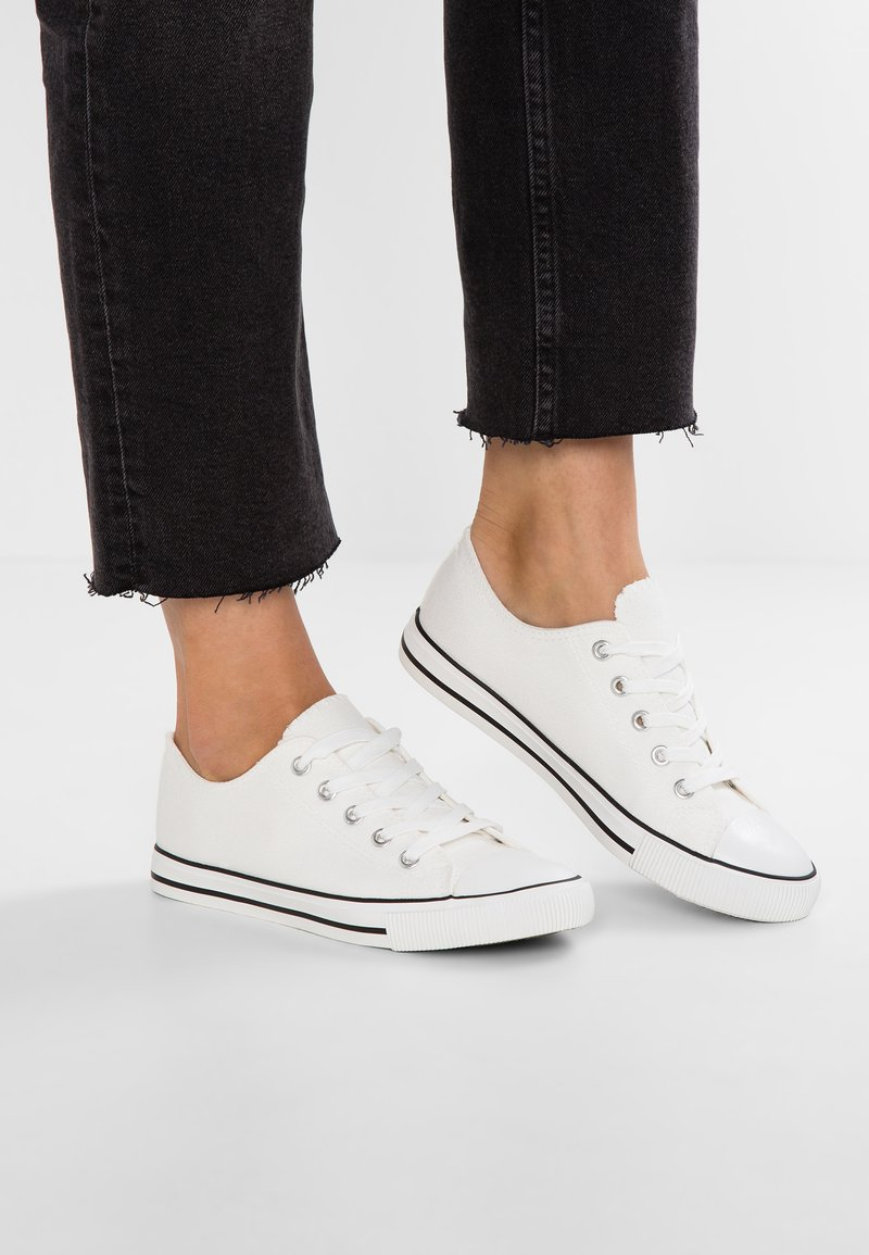 New Look - MARKED TOE CAP TOP UP - Trainers - white
