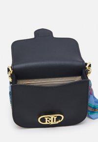 Lauren Ralph Lauren - SMOOTH SCARF LOGO - Handbag - dark blue - 3