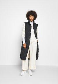 Freequent - OLGA - Waistcoat - black - 0