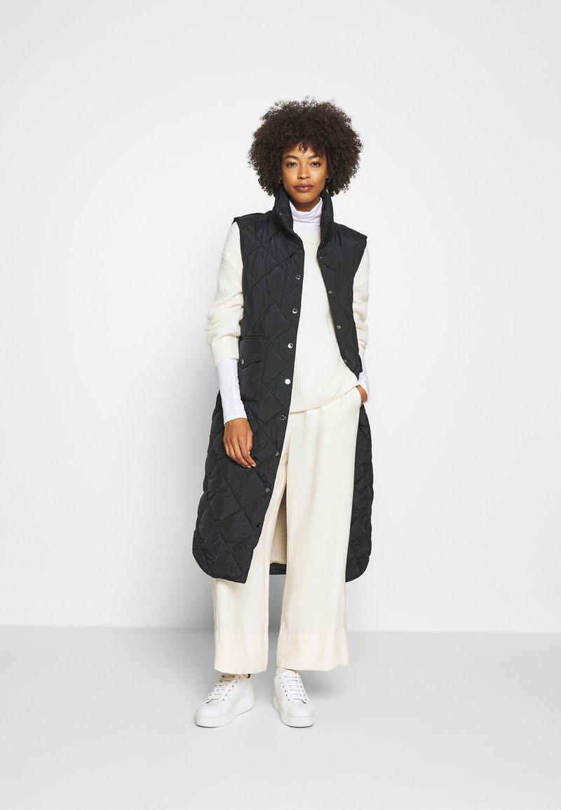 Freequent - OLGA - Waistcoat - black