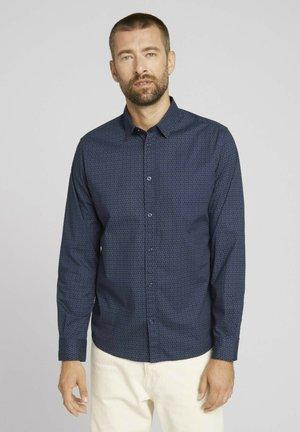 GEMUSTERTES - Camicia - navy olive irregular design