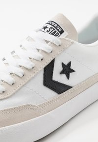 Converse - NET STAR CLASSIC - Trainers - white/black/egret - 6