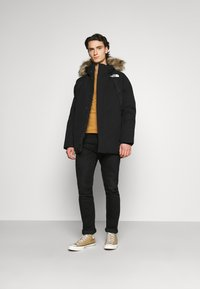 The North Face - NEW OUTERBOROUGHS JACKET - Down coat - black - 1