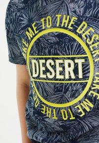 WE Fashion - T-shirt con stampa - blue - 2