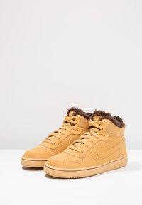 Nike Sportswear - COURT BOROUGH MID - Zapatillas altas - haystack/baroque brown - 2