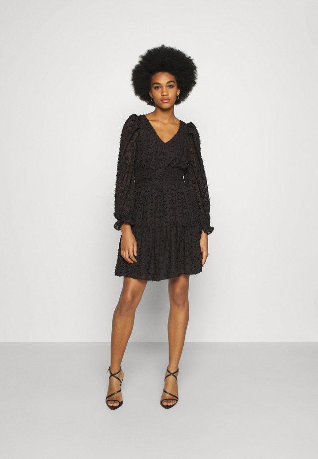 YASVIVIAN DRESS - Kjole - black