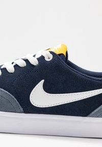 Nike SB - CHECK SOLAR - Sneakers laag - light armory blue/summit white/midnight navy - 2