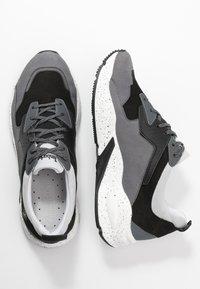 Timberland - DELPHIVILLE  - Sneakersy niskie - grey - 3