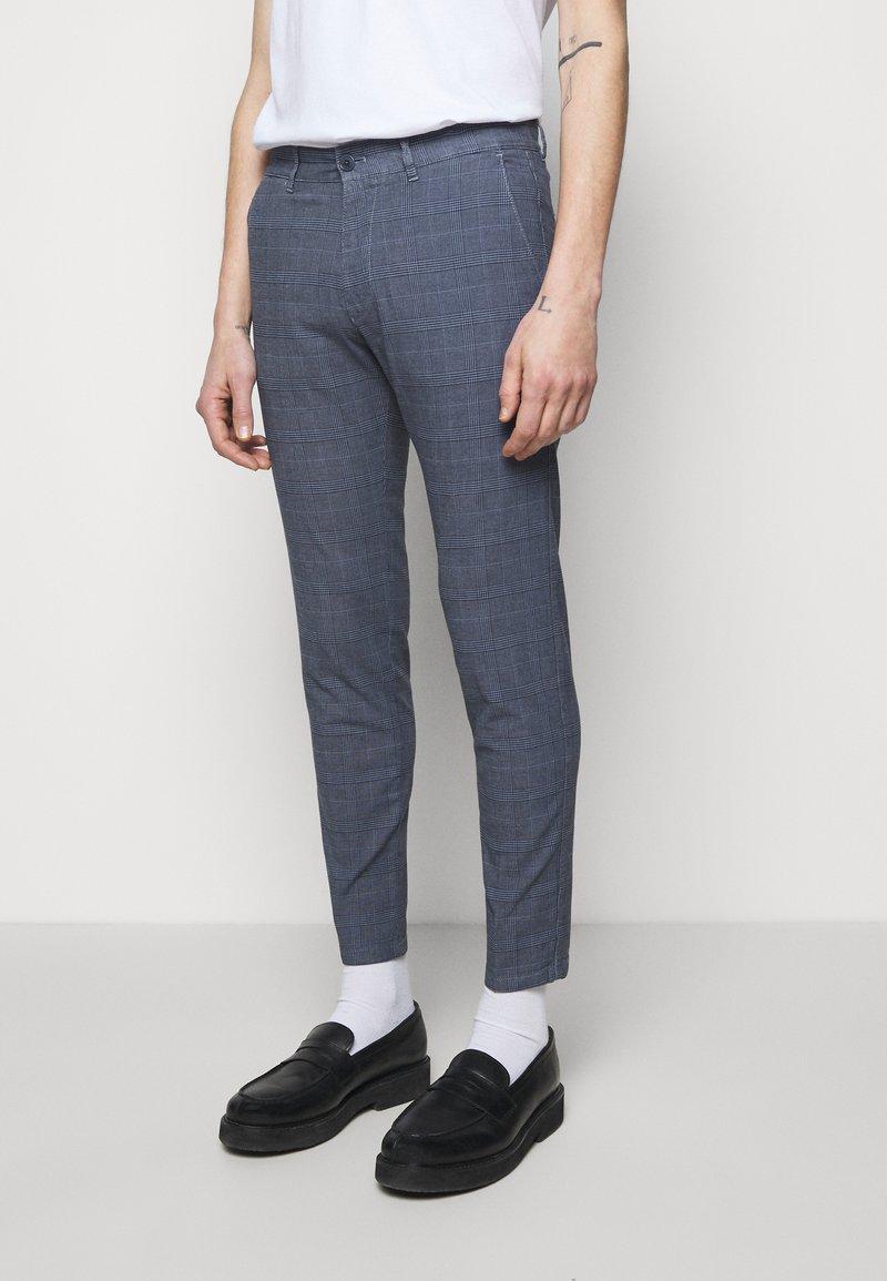 DRYKORN - MAD - Kalhoty - light blue