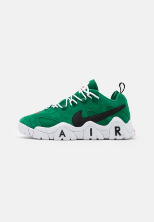 AIR BARRAGE UNISEX - Trainers - clover/black/white/chile red