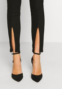 Noisy May - NMMEDLEY SLIM PANT - Legginsy - black - 3