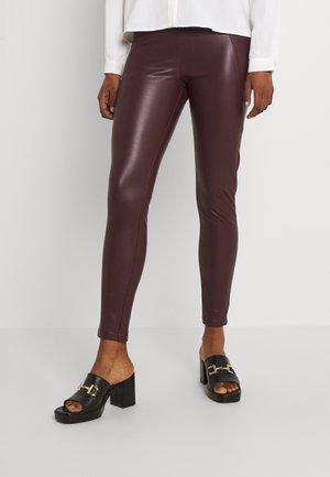 VINNIS COATED - Trousers - winetasting