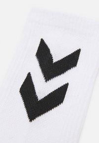Hummel - CHEVRON 6 PACK UNISEX  - Sports socks - white - 1