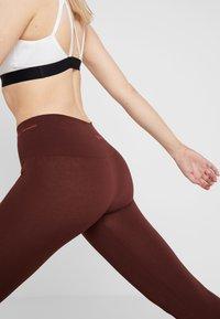Yogasearcher - ASANA - Legging - cacao - 6