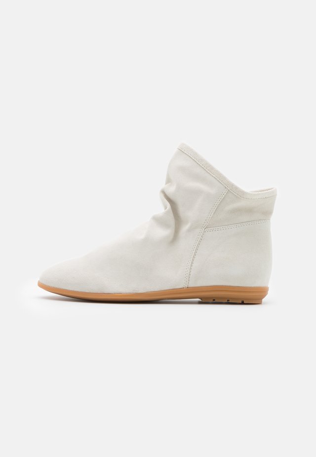 Classic ankle boots - hielo