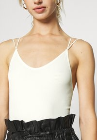 BDG Urban Outfitters - THONG STRAPPY BACK BODYSUIT - Top - white - 5