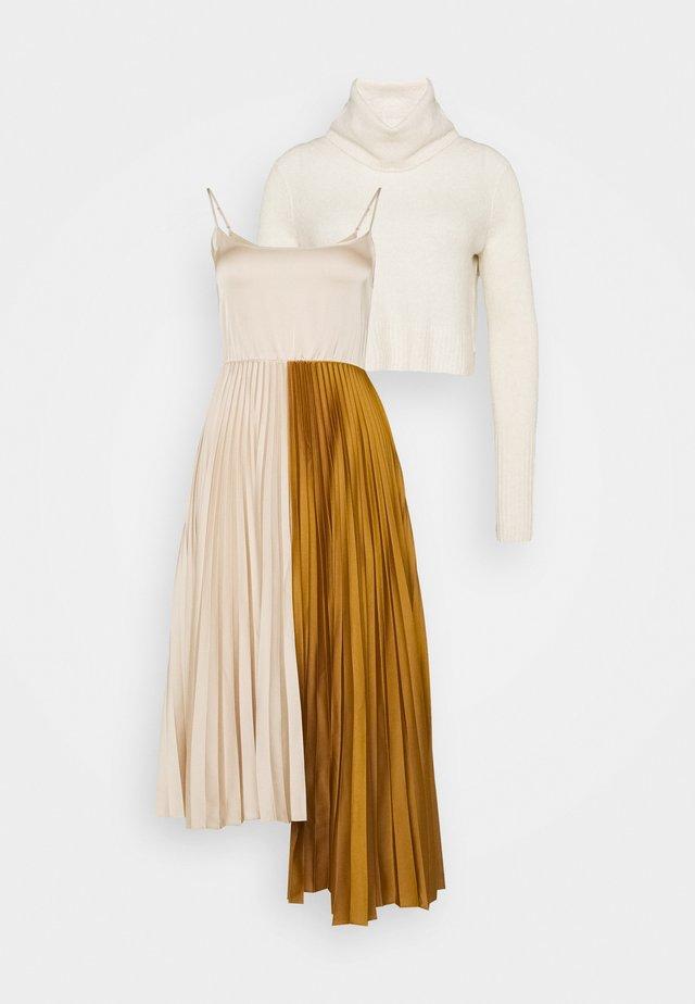 JESSIE DRESS 2-IN-1 - Neule - alabaster white