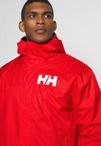 Helly Hansen - ACTIVE JACKET - Regnjakke / vandafvisende jakker - alert red - 4