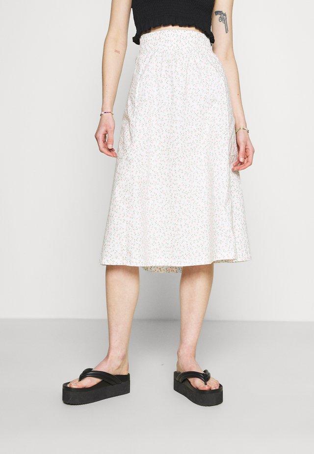 A-line skirt - white light