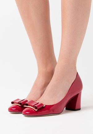 Classic heels - cherry