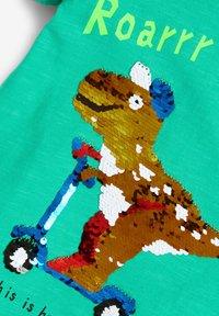 Next - SHORT SLEEVE - Print T-shirt - green - 3