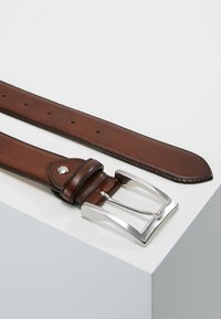 Cordwainer - Belt business - elba castagna - 2