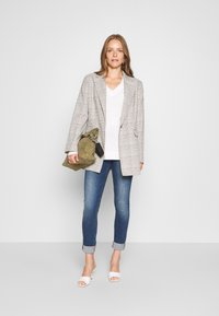 GAP - BELLA - Jumper - snowflake milk - 1