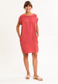 UVR Berlin - ANNABELLINA - Jersey dress - rostrot - 1