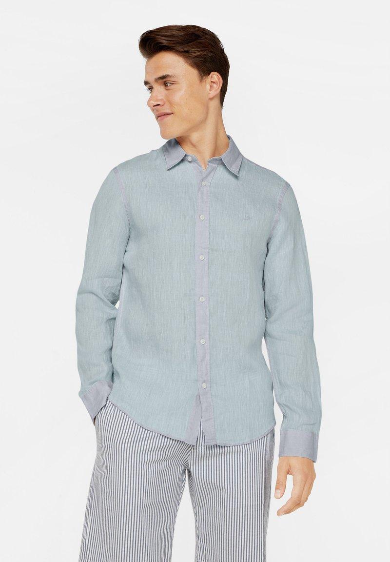 WE Fashion - SLIM-FIT - Koszula - light blue