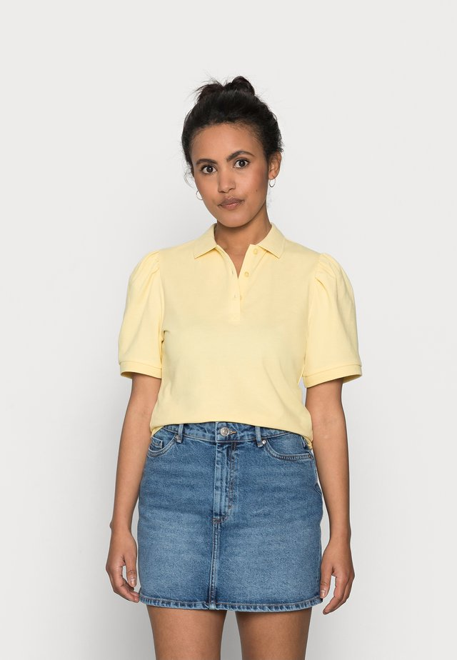 ONLJANET LIFE SHORT POLO TOP - T-shirts med print - sunshine