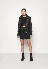 Calvin Klein Jeans - MILANO CROP TANK - Top - black - 1