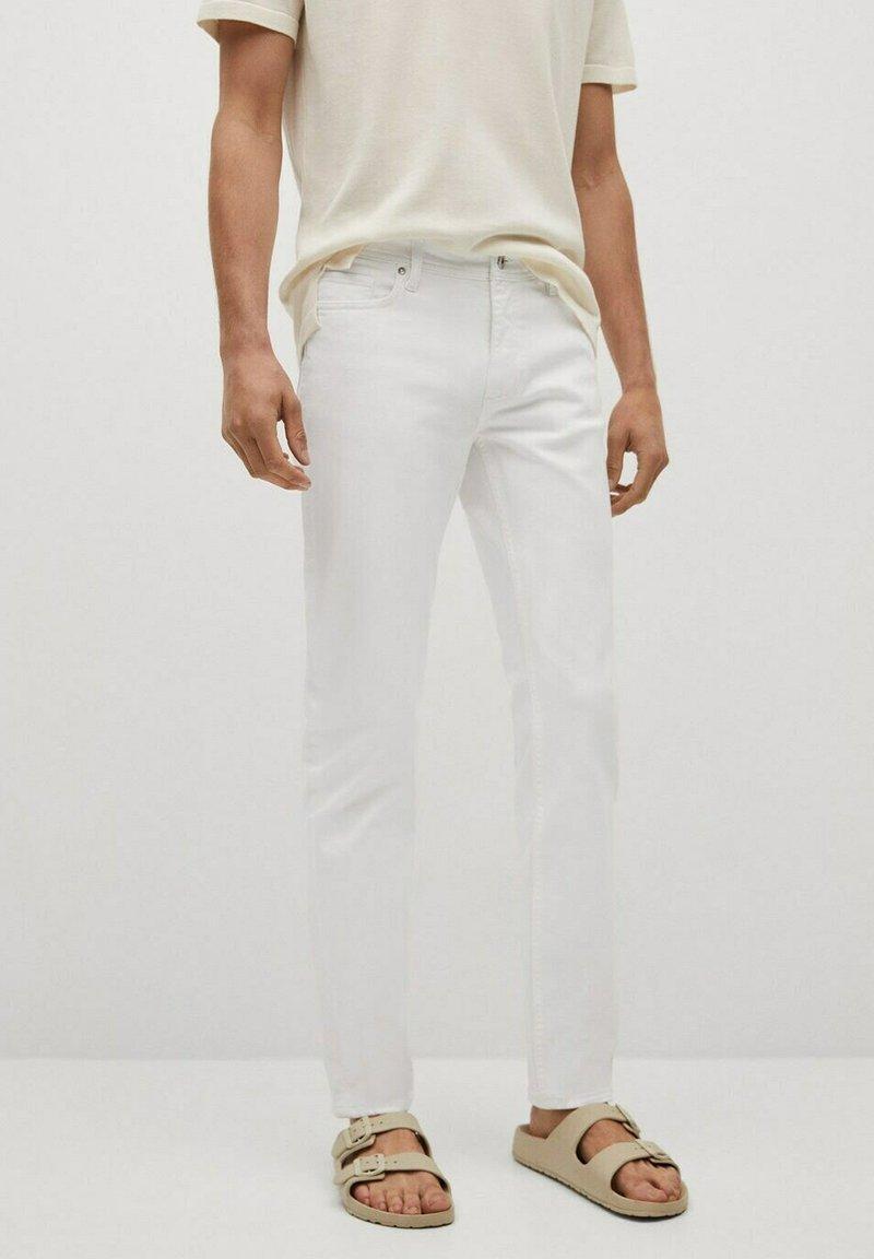 Mango - JAN - Slim fit jeans - blanco