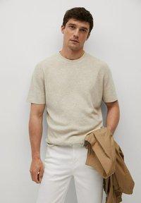 Mango - Camiseta básica - beige - 0