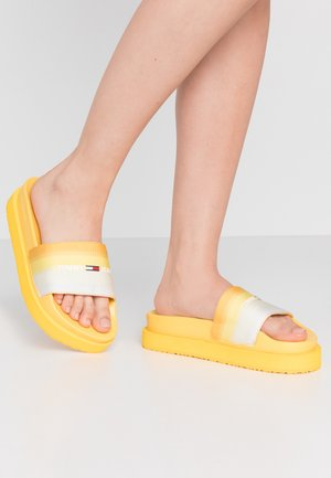 DEGRADE FLATFORM POOL SLIDE - Klapki - lemon