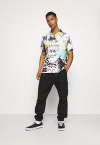 PRAY - MASH UNISEX  - Print T-shirt - multi coloured - 1