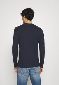 Guess - ORIGINAL LOGO CORE TEE - Long sleeved top - suiting blue - 2