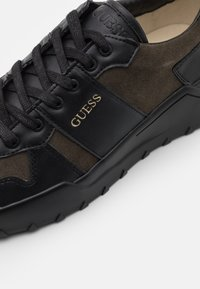 Guess - LUCCA - Trainers - black/grey - 5