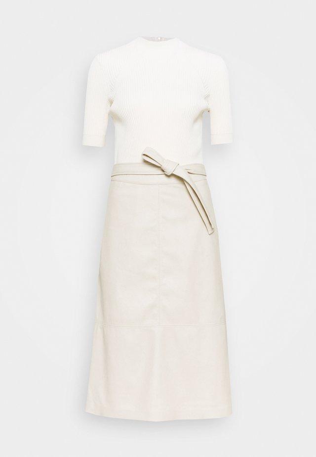 SUSANNA - Korte jurk - natural