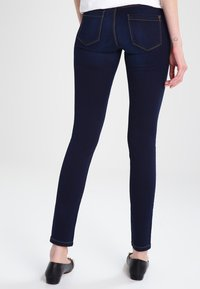 ONLY - ULTIMATE - Vaqueros slim fit - dark blue denim - 2