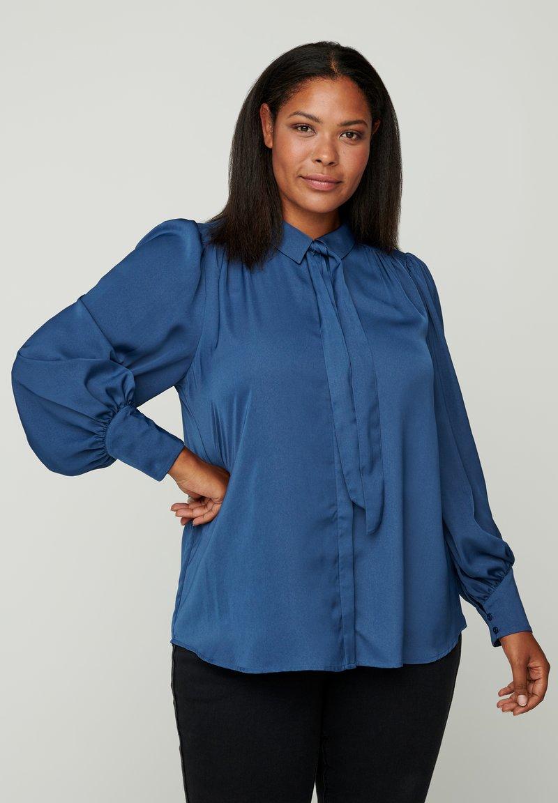 Zizzi - MIT BINDEDETAIL - Button-down blouse - dark blue