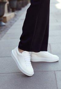 Copenhagen - CPH407 - Sneakersy niskie - white - 4