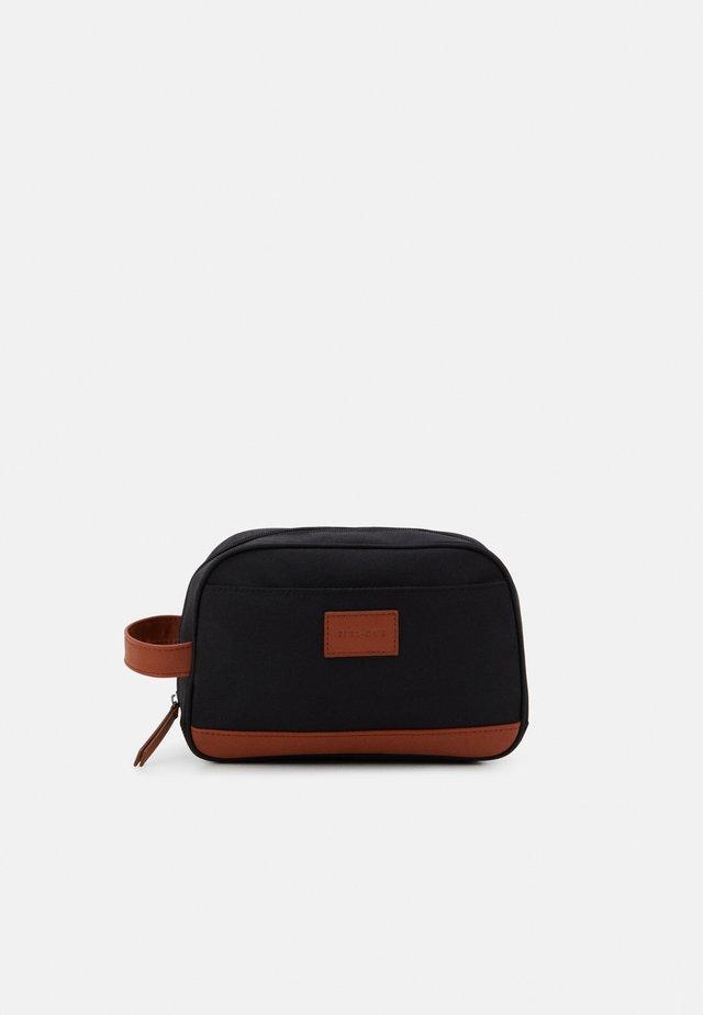 UNISEX - Kosmetická taška - black/cognac