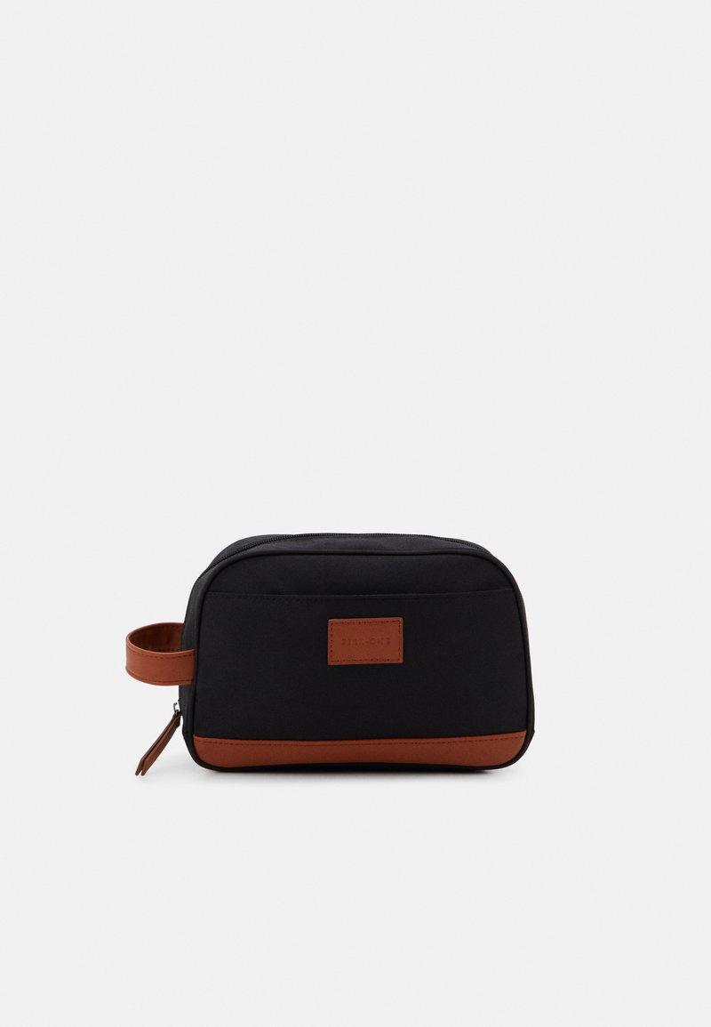 Pier One - UNISEX - Wash bag - black/cognac