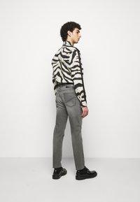 Just Cavalli - Jeans Tapered Fit - black denim - 2