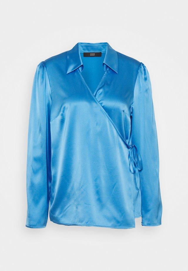 SYLVIE LUXURY WRAP BLOUSE - Camicetta - electric blue
