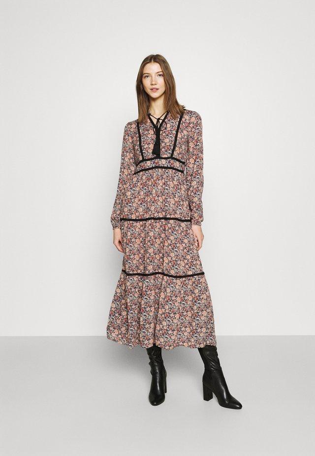 VMBELLA TIE DRESS - Day dress - ombre blue