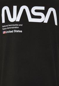 CORELLA - NASA LICENSE UNISEX - T-shirt print - black - 2