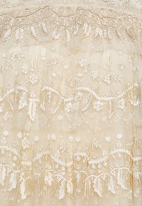 Needle & Thread - EBONY RUFFLE - Bluse - champagne - 2