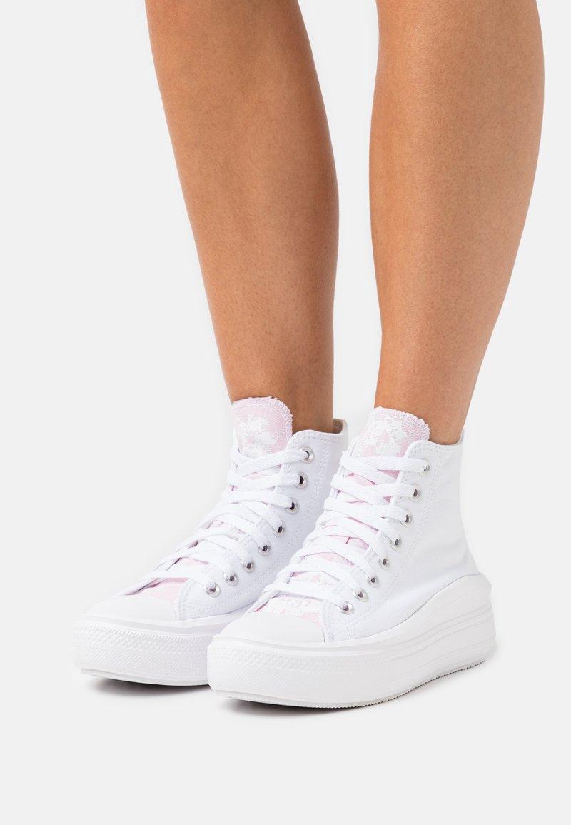 Converse - CHUCK TAYLOR ALL STAR MOVE FLORAL FUSION PLATFORM - Vysoké tenisky - white/pink foam