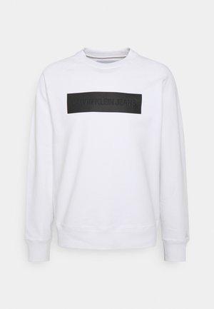 BLOCKING LOGO CREW NECK - Collegepaita - white